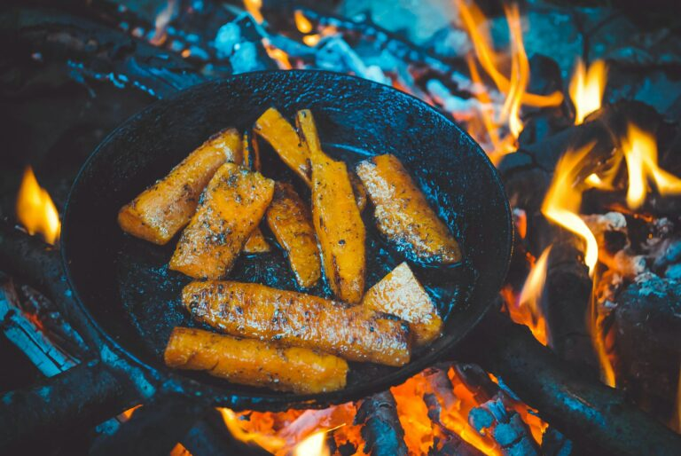 Cooking food in the wood