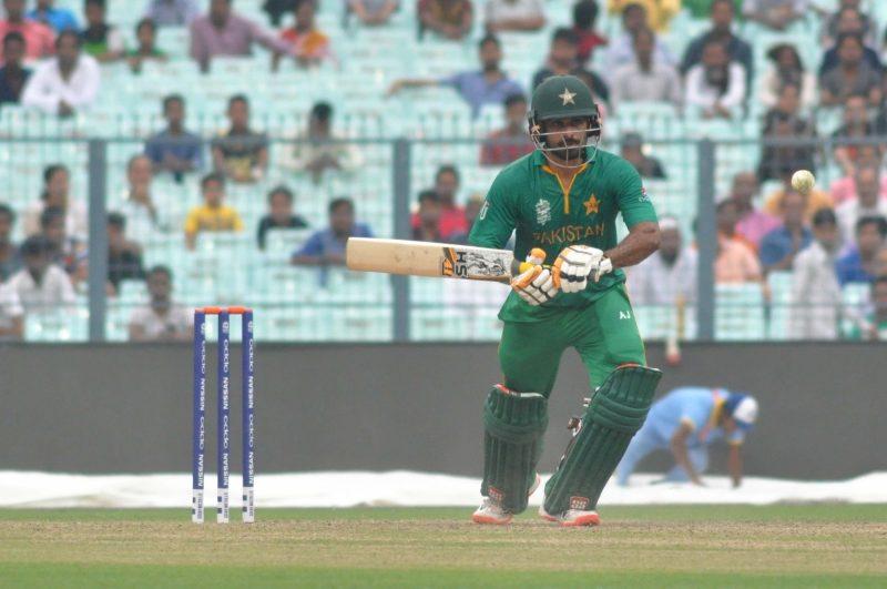 Kolkata: Pakistan player Mohammad Hafeez in action during the Warm-Up match of ICC World T20 between Pakistan and Sri Lanka at Eden Gardens in Kolkata on March 14, 2016. (Photo: Kuntal Chakrabarty/IANS)