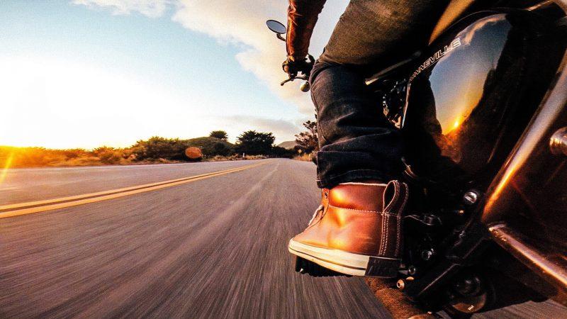 riding-into-a-sunset_t20_yRpj76